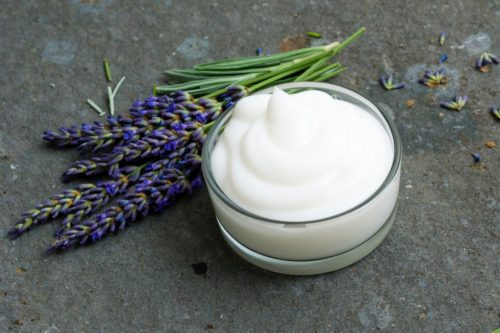 DIY foot cream with essential oils. A natural foot care remedy for dry or cracked feet. Learn how to naturally care for dry, cracked feet and skin with this homemade foot cream recipe made with lavender and peppermint essential oils. A simple effective natural moisturizer for feet with cooling peppermint essential oils and optional menthol crystals. The best homemade peppermint foot cream recipe for your natural skin care routine.