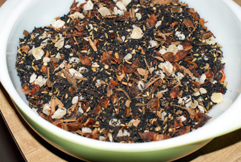 How to Make Organic Chai Tea by hand blending masala chai tea spices after heating then crushing.