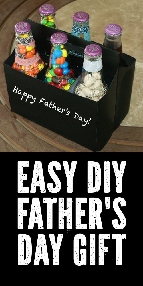 DIY Father's Day Gift Idea! If you're looking for a DIY Father's Day gift idea that the kids can make, then you've come to the right place. This fun candy and treat filled six pack for Father's Day comes complete with a six pack chalkboard treat carrier for writing your own custom message! #diy #fathersday #fathersdaygift #giftsfordad #giftideasfordad #giftsfromkids #crafts #treats #sixpack