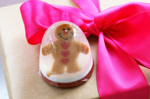 Homemade Christmas Gift Idea - DIY Gingerbread Man Snow Globe Soap Stocking Stuffer