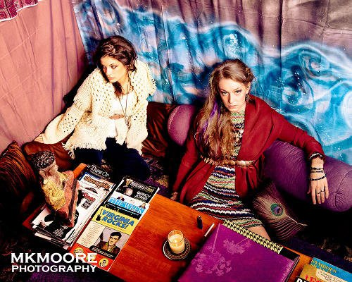 Women at Bazaar Consignments by MKMoore Photography
