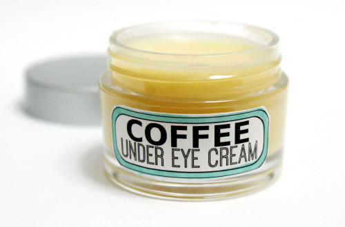 A Natural DIY Coffee Under Eye Cream Recipe to help with puffiness and dark circles as well as those pesky fine lines and wrinkles!