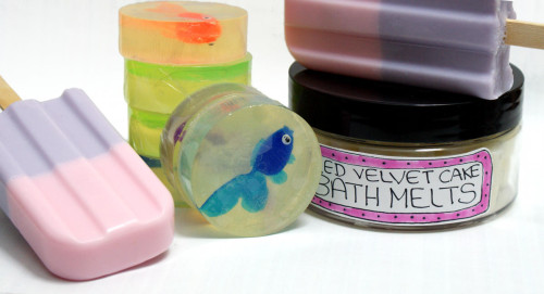 Summer Fun Bath and Body Giveaway - Pin It to Win it! (Simply pin the DIY's for a chance to win the resulting soaps and bath melts!)
