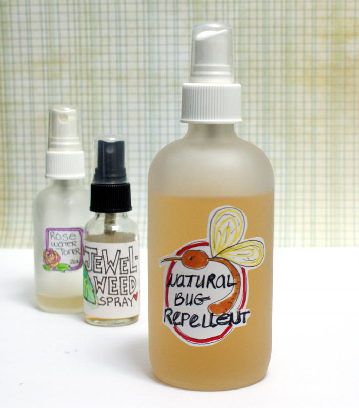 How to Make a Natural Easy Bug Repellent Recipe to Keep Mosquitoes and Other Biting Insects Away This Summer