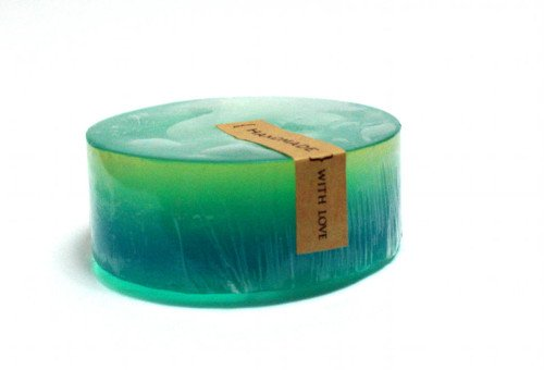Ocean Rain Scented Homemade Ombre Melt and Pour Soap Recipe