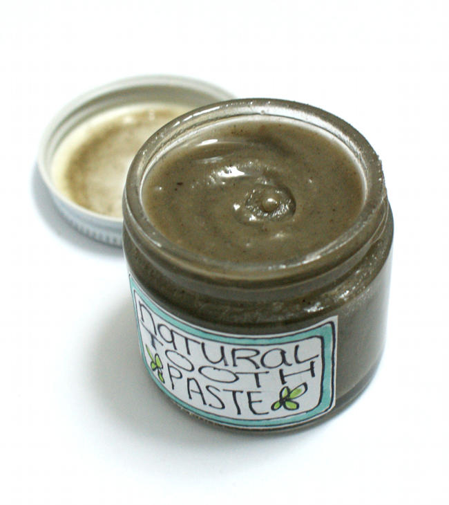 All Natural Homemade Toothpaste Recipe with Baking Soda and Bentonite Clay