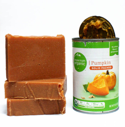 Pumpkin Spice Soap Recipe! Learn how to make your own fall inspired DIY pumpkin spice soap made with real organic pumpkin via the homemade soap recipe and soapmaking tutorial at Soap Deli News blog! These make great seasonal gifts for teachers and neighbors too!