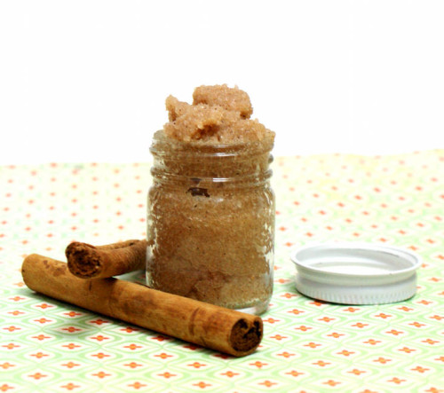 Homemade Natural Vanilla and Pumpkin Spice Salt Scrub Recipe