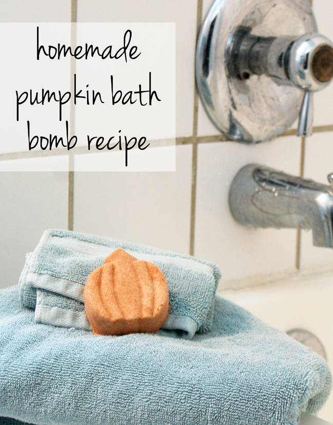 DIY Halloween Pumpkin Bath Bomb Recipe