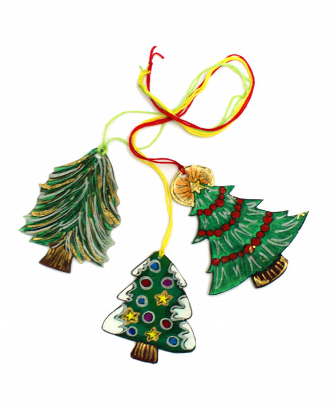 These easy DIY Christmas ornaments are made from Shrinky Dink paper. Not only do they look great on the tree but they make fun necklaces for kids too!