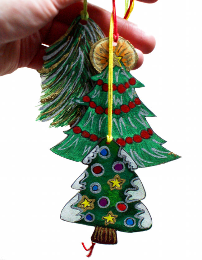 Easy DIY Christmas Tree Ornaments Kids Can Make!