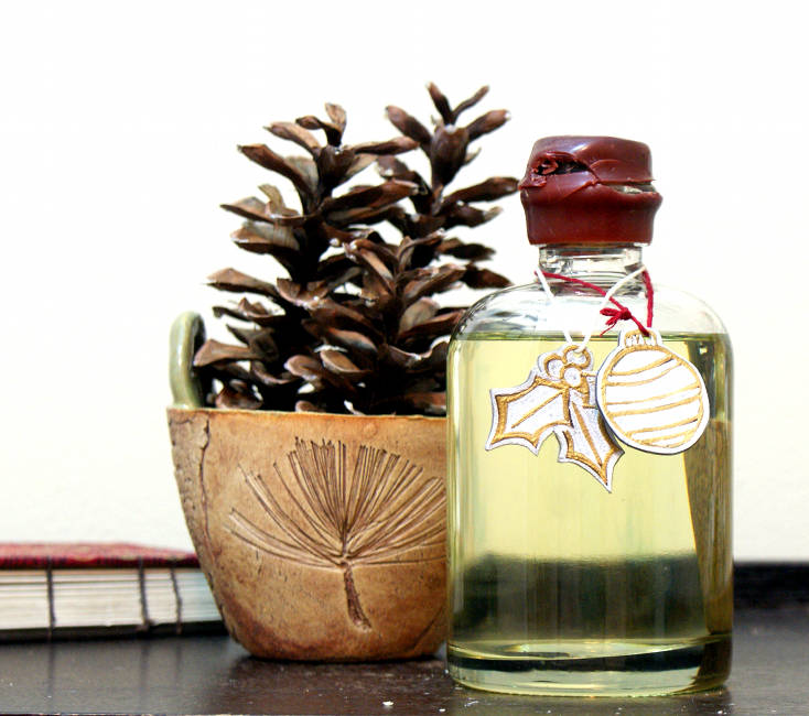 Easy Homemade Bath Oil Recipe With Holiday Gift Tags