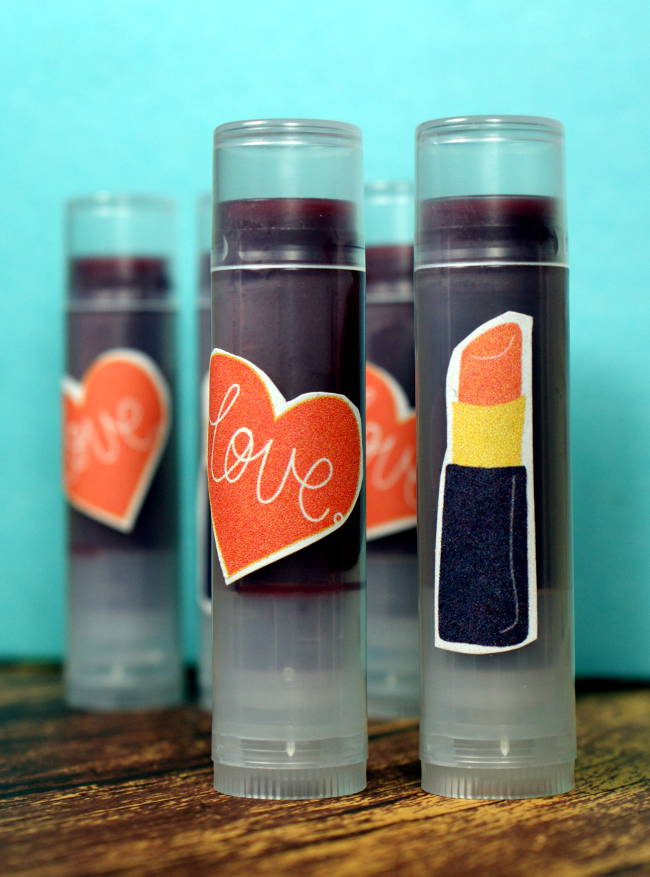 Keep lips looking great with this natural tinted lip balm recipe with skin protectants lanolin & beeswax that moisturize, soothe & protect chapped lips.
