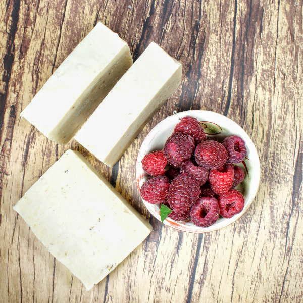 This natural homemade raspberry cold process soap recipe is made with ripe raspberries which are naturally rich in antioxidants. Antioxidants have been shown to help to prevent and repair skin damage caused by free radicals. In addition because antioxidants protect cells and encourage cell growth they are also believed to be helpful in an in fighting fine lines and wrinkles.