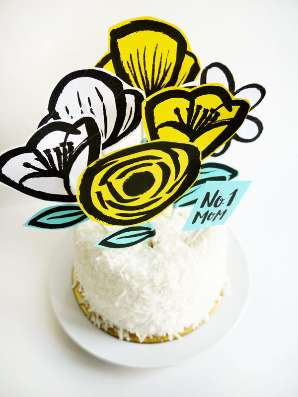 Need last minute DIY Mother's Day gifts? Be sure to check out this amazing collection of DIY Mother's Day gift ideas that she's sure to love!
