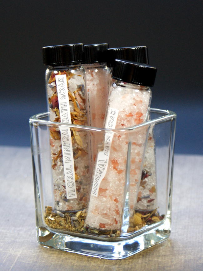 These natural mineral bath soak recipes are a snap to make and are the perfect end to a long day. In addition to helping you wind down after a stressful day, these mineral bath soak recipes also help to ease sore muscles and detox skin! Leave them unscented or add some of your favorite essential oil(s) for a complete aromatherapy experience!