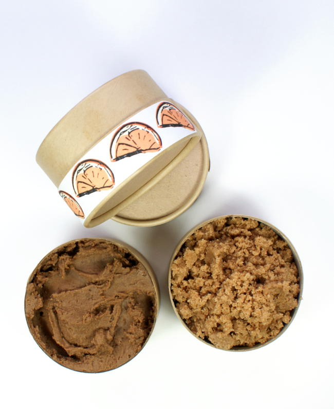 Looking for a fantastic homemade gift idea? Try out this homemade chocolate orange body butter recipe and matching chocolate orange sugar scrub recipe for a decadent homemade Christmas gift set!