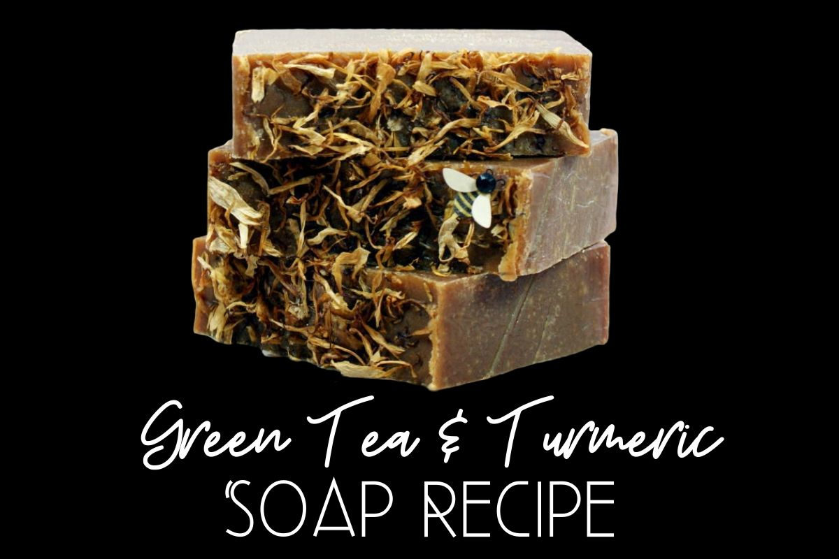 Green Tea Turmeric Soap Recipe! This homemade green tea and turmeric soap recipe harnesses green tea's antioxidant properties and combines it with turmeric's anti-acne, anti-aging and skin lightening properties for a fantastic homemade soap that's great for all skin types. (Plus it's palm free!)