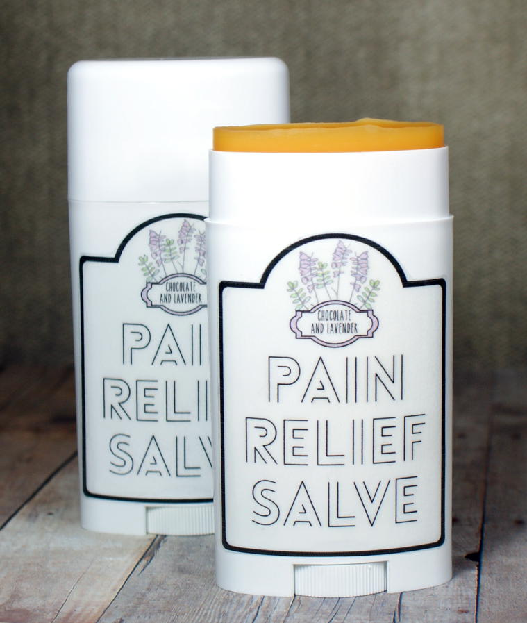 This homemade chocolate and lavender scented cayenne pain relief salve recipe is wonderful for treating pain caused by arthritis, sore muscles, stiffness and swelling. Plus there are free printable labels for your final product!
