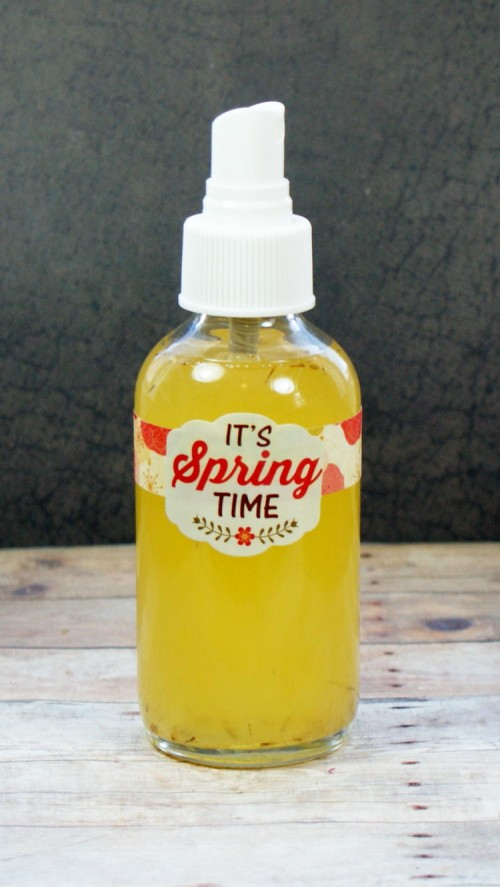 This natural burn relief spray recipe was created for a friend with breast cancer to help soothe the pain caused by radiation treatment and promote healing. However, you'll find this burn relief spray also works great on run of the mill sunburns.