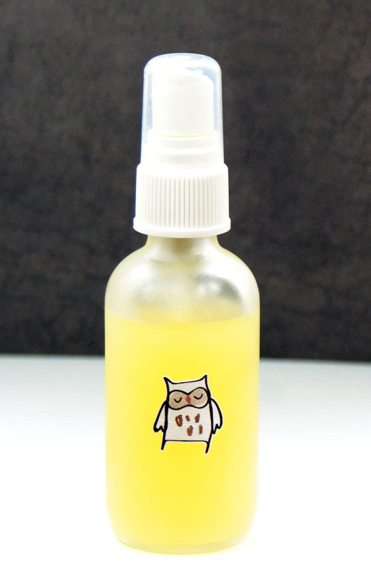 This shea butter body spray recipe is fantastic for dry skin! Made with moisturizing shea nut oil andneem oil, which helps to promote healing, this shea butter body spray leaves skin feeling silky smooth and soft and can be custom scented with your favorite fragrance.