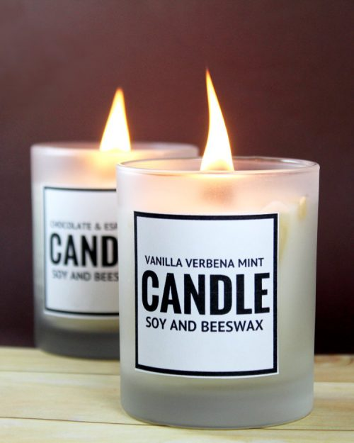 Learn how to make your own scented DIY soy and beeswax candles for homemade gifts this holiday season! Choose from three candle scent recipes including chocolate espresso and vanilla verbena peppermint plus download free printables for you finished soy and beeswax candles to make gifting even easier!