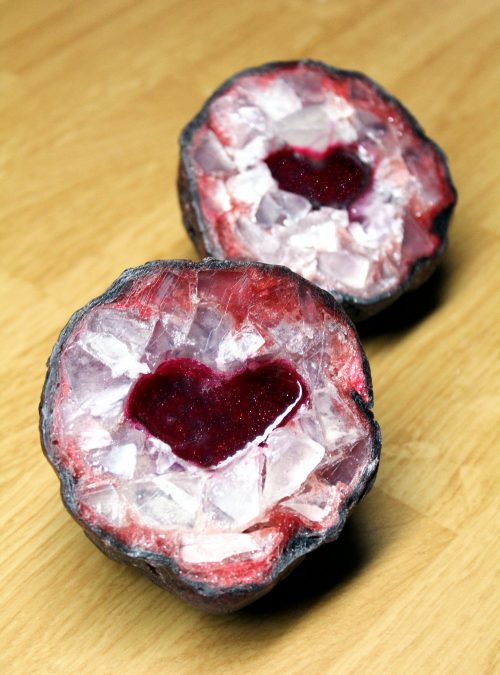Learn how to make your own crystal geode soap eggs with hearts for stunning DIY Valentine's Day gifts!