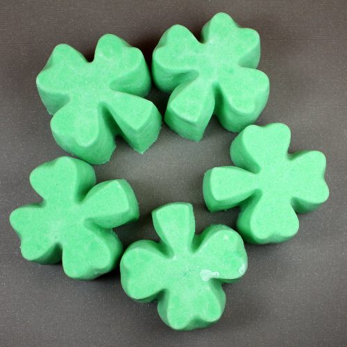 Learn how to make this fizzing shamrock bath truffles recipe for St. Patrick's Day!