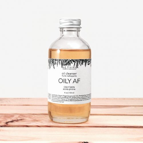 Formulated for oily skin, this cleansing facial oil blend gently cleanses without blocking pores. It rejuvenates skin's appearance and reduces the appearance of imperfections and acne marks.