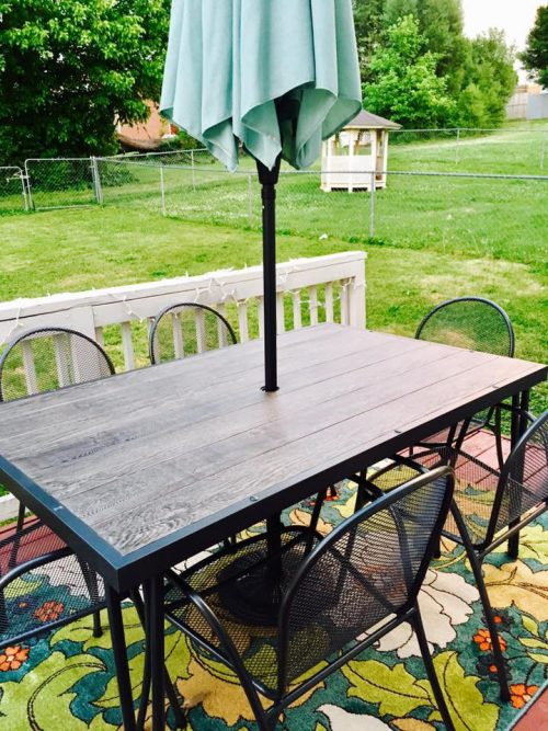 Outdoor patio dining furniture from Target! I love this new outdoor dining space!