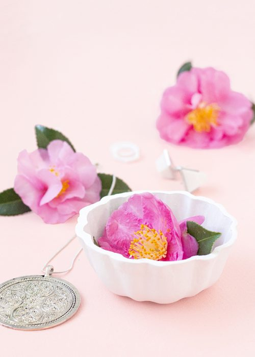 This DIY fluted trinket dish via Make and Tell blog makes a lovely homemade gift for mom!