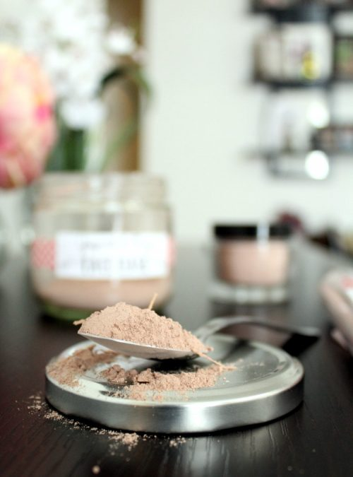 Anti Aging Skin Care Recipes! This anti-aging yogurt face mask recipe is suitable for all skin types but it's especially nice for those of us trying to fight the appearance of aging. Because yogurt contains lactic acid, an alpha hydroxy acid that dissolves dead skin cells, the use of yogurt in a face mask can help to diminish the appearance of lines and wrinkles as well as fight breakouts. #antiaging #antiwrinkle #diy #beauty #skincare #naturalbeauty #naturalskincare #facemask #yogurtfacemask