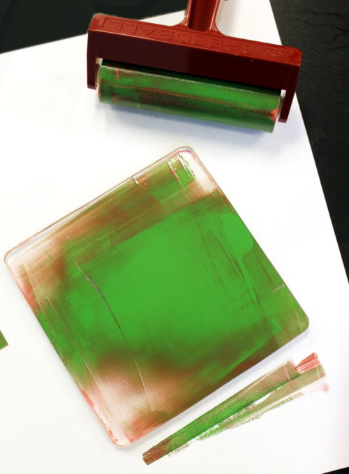 Explore DIY Gelli Printing with this awesome art tutorial that's fun for the whole family! This art project also is great for make and take events and gifting! Gelli printing is monoprinting using a gel printing plate. Because Gelli Arts® Gel Printing Plate is made out of a gel, it's extra sensitive surface will imprint any texture that it is sitting upon or covered with giving you so many great options to explore.