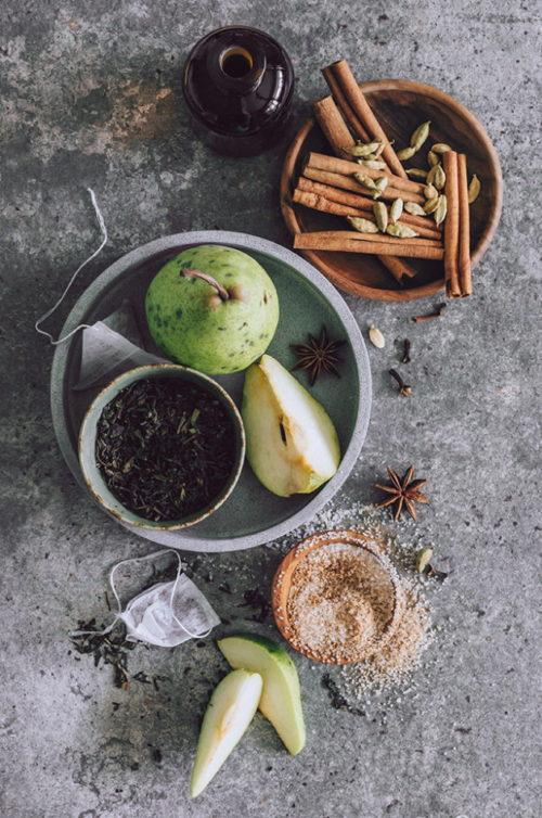Fall Chai Sugar Scrub Recipe via Hello Glow blog