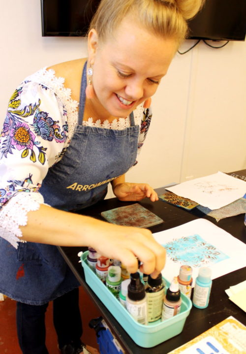 My friend, Hillary Hardison, recently ventured into self-employment as a full time artist. In addition to creating her artwork, which includes a mix of encaustic paintings and mixed media collages, Hillary is also teaching art classes. DIY Gelli Printing was the first class she taught as the owner of Hardison Art LLC.