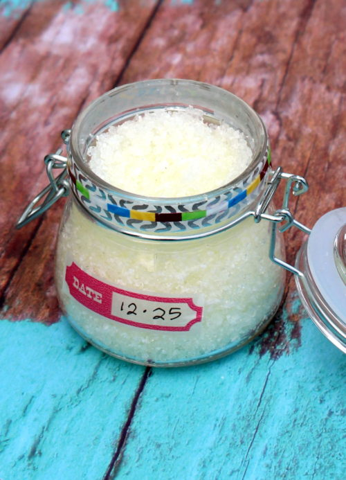 Pain Relief Bath Salts Recipe! Don't let sore muscles slow you down this busy holiday season! Enjoy a nice long soak in these pain relief bath salts instead. Crafted using Epsom salt, prized for its high magnesium content, these bath salts safely and naturally ease muscle pain, detox your body and promote calm. While a light blend of essential oils offer their aromatherapy benefits and a gentle cooling sensation. #diy #recipe #bathsalts #painrelief #homeremedies #natural