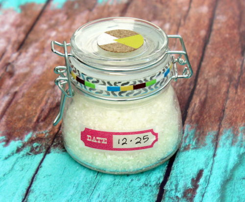 DIY Pain Relief Bath Salts! Crafted using Epsom salt, prized for its high magnesium content, these bath salts safely and naturally ease muscle pain, detox your body and promote calm. While a light blend of essential oils offer their aromatherapy benefits and a gentle cooling sensation. #diy #recipe #bathsalts #painrelief #homeremedies #natural