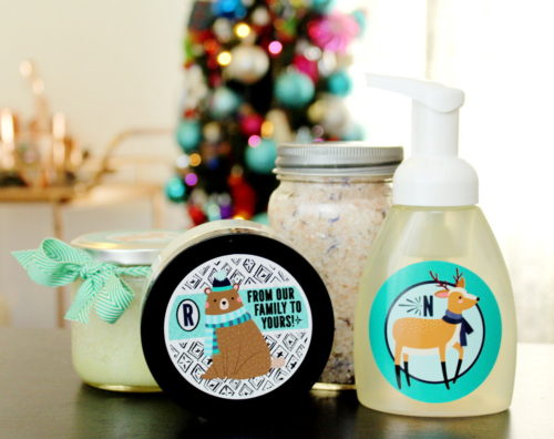 Easy Homemade Holiday Gifts! Save money and personalize your holiday gift giving this year with these easy homemade holiday gifts with personalized sticker labels from StickerYou! #diy #homemade #gift #giftideas #holidays #personalized #diygifts #homemadegifts