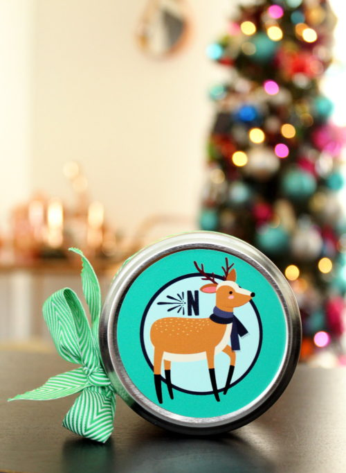 Easy Homemade Holiday Gift Idea for DIY Ginger Orange Salt Scrub! Save money and personalize your holiday gift giving this year with these easy homemade holiday gifts with personalized sticker labels from StickerYou! #diy #homemade #gift #giftideas #holidays #personalized #diygifts #homemadegifts #ad
