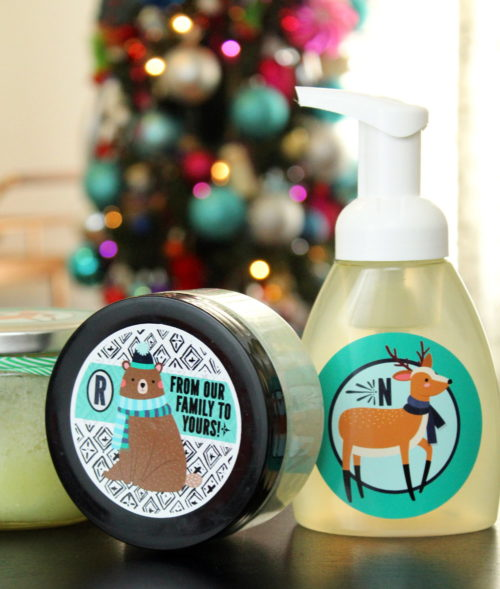 Easy Homemade Holiday Gift Idea for DIY Foaming Peppermint Sugar Scrub! Save money and personalize your holiday gift giving this year with these easy homemade holiday gifts with personalized sticker labels from StickerYou! #diy #homemade #gift #giftideas #holidays #personalized #diygifts #homemadegifts #ad