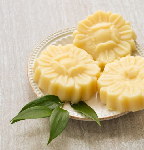 These cocoa ginger lotion bars from The Natural Beauty Workshop are easy to make and gift as last minute Valentine's Day gifts. Simply combine the ingredients in a double boiler, melt and then pour into a mold of your choice.