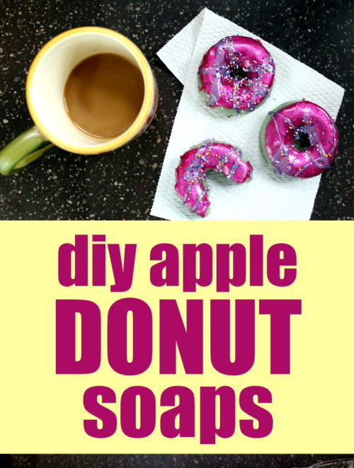 Homemade Apple Donut Soap Recipe! These homemade apple donut soaps are made with natural apple powder. Naturally rich in malic acid, apple powder works to gently exfoliate and rejuvenate skin to reduce the visible signs of aging as well as promote skin hydration and keep acne in check! Learn how to make your own donut soaps now with the soapmaking tutorial at Soap Deli News blog. #soap #diy #donuts #soapmaking