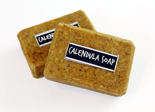 This natural calendula soap recipe is handcrafted with skin nourishing ingredients that promote skin health like calendula hydrosol, calendula powder and chia seed oil. Natural shredded loofah is then added for gentle exfoliation to brighten and smooth skin. #soap #soapmaking #soaprecipe #calendula #handmade #diy #crafts #skincare #beauty #natural #naturalskincare #giftideas #coldprocessoap #palmfreesoap
