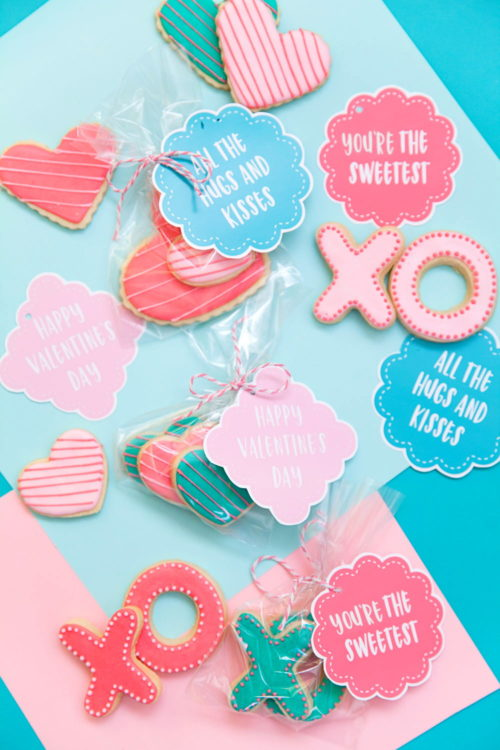 Homemade Valentine Ideas for Little Galentines! Create delicious homemade Galentine's Day cookies for your child's classmates with X and O cookie cutters and free printable Valentine's Day gift tags from Tell Love and Party! #cookies #valentines #valentinesdaygift #printable #kids #galentines