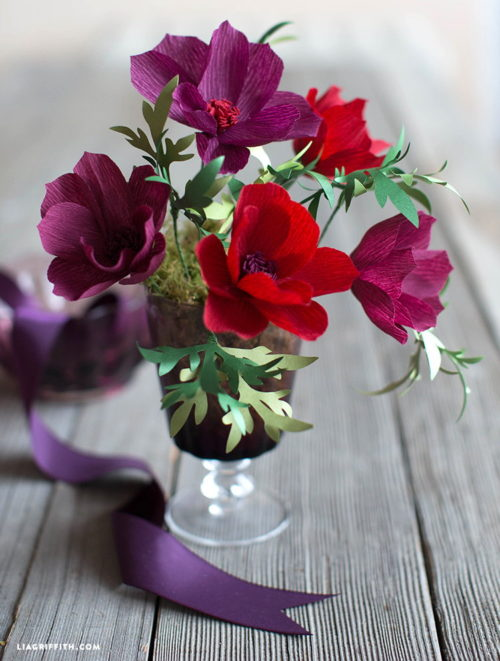 Spring Flower Craft Projects to welcome spring into your home! You'll love this bouquet of crepe paper cosmos from Lia Griffith! These paper flowers look stunning in your home as an accent or in a vase. Even better, they never need watering and they'll never die!