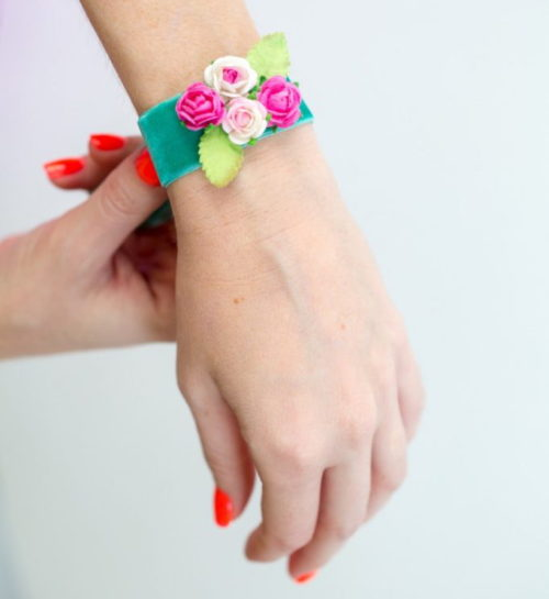 Spring flower craft projects! Add floral accessories to your spring wardrobe with this easy DIY paper flower bracelet from Pop Shop America! It's a great way to dress up jeans and a cute top - or wear it with your favorite little black dress.