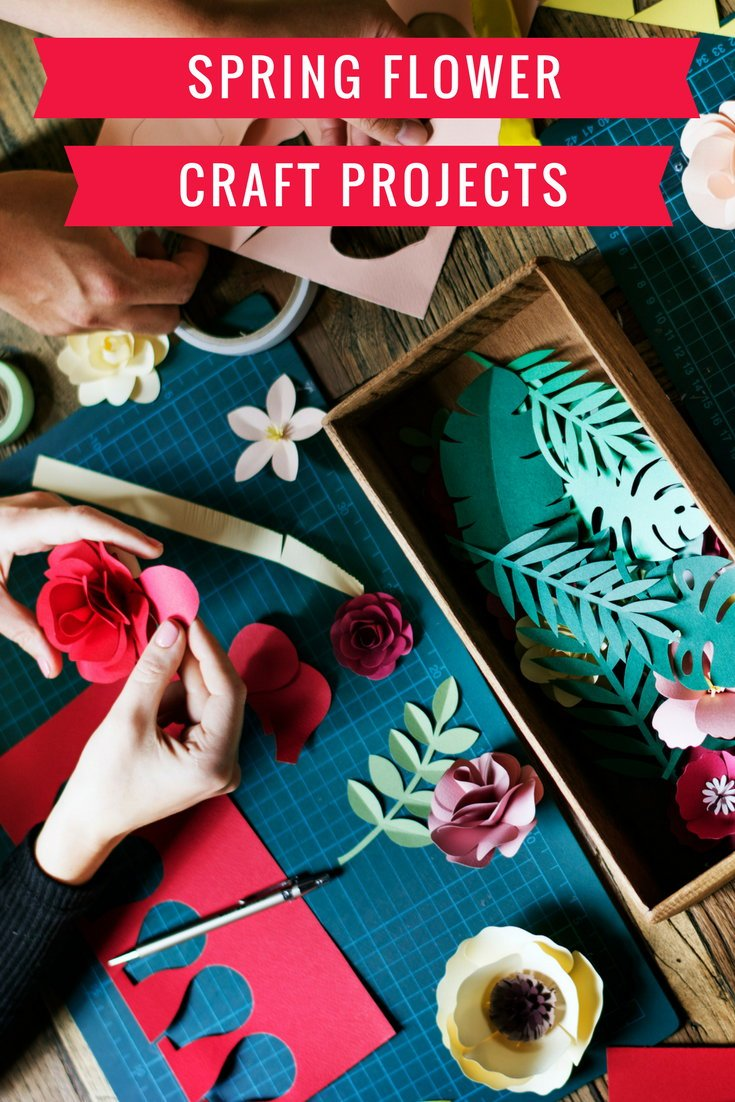 Spring Flower Craft Projects! Are you decorating your home for spring, looking for a weekend DIY or simply want to show off your unique spring style? Then this collection of spring flower craft projects is the perfect starting point! What are you waiting for? Check out these spring flower craft projects now and welcome spring into your home! #crafts #spring #projects #flowers #diy