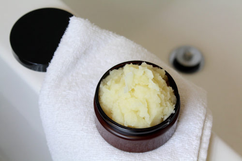 Best natural sugar scrub recipe with murumuru butter for dry skin. This natural homemade sugar scrub can be scented with your choice of natural essential oils blends to fit the season (hello, pumpkin spice!) or to serve as natural remedies to soothe muscle and joint pain. It gently exfoliates to remove dead skin cells for smooth, glowing skin that feels moisturized. A great choice for fall or winter skin care, this DIY sugar scrub is suitable for sensitive skin, eczema and even maturing skin. Learn how to make now via the natural holistic skin care recipe at Soap Deli News blog. #essentialoils #sugarscrub #diy