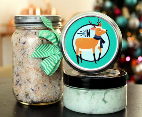 DIY holiday gifts. Learn how to make sparkly glitter snowflake soaps for seasonal winter holiday gifts. Plus 16 more easy DIY natural skin care recipes and homemade soap recipes to make and gift this Christmas. #holidaygifts #christmasgifts #skincare #diy #soapmaking