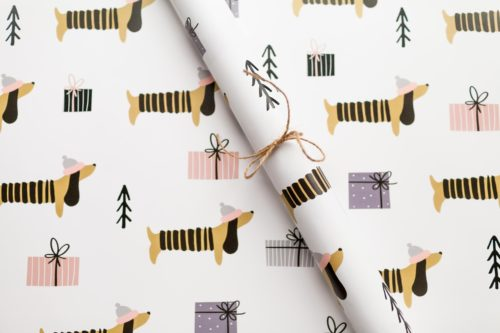 Holiday dachshund wrapping paper from Rose and Willow. A cute way to wrap your handmade Christmas gifts. Plus lots of great ways to wrap gifts for the festive winter holiday season!